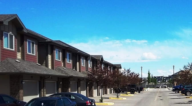 Unit Available 2.5 Storeys Townhouse